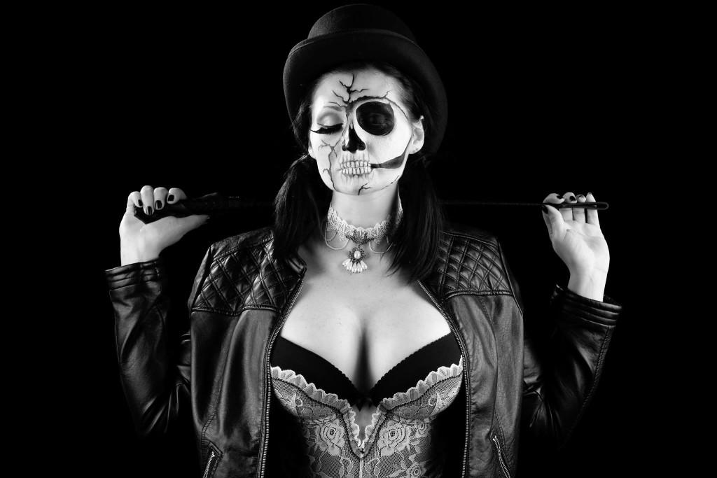 Debora Gentile in Sexy Skull Doll. Fotografia di Michele Trecate, make up: Valentina Gobbato.